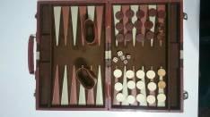 Maletín de backgammon